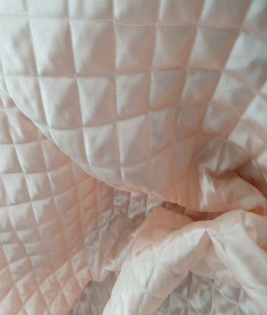 Quilted Polyester Satin - 3cm Box - Peach